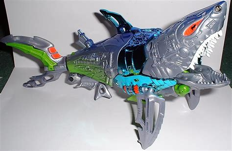 wars toys beast wars transmetal 2 cybershark image gallery and review www transformertoys co uk