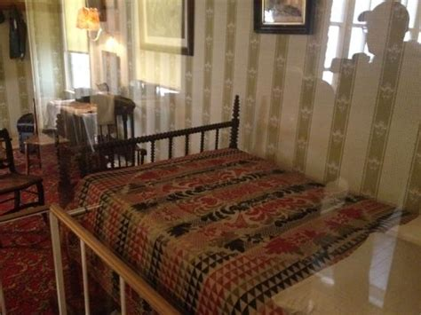 bed death lincoln s death bed picture of petersen boarding house washington dc tripadvisor