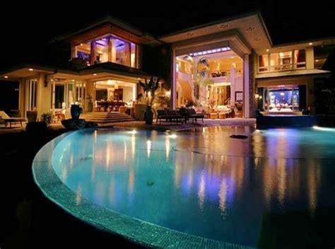 how many houses does bill gates own bill gates net worth salary house car