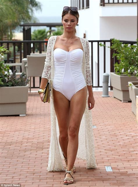 Chloe Sims Goes Shopping in Her Bathing Suit   Shoes Post