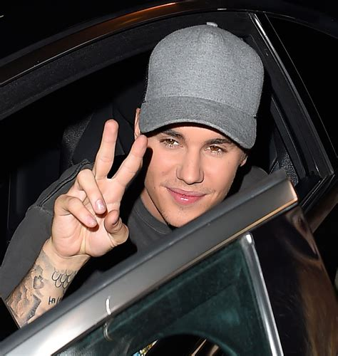 Justin Beiber Stops by Justin Bieber Bashes Audience For Clapping Beat Why He