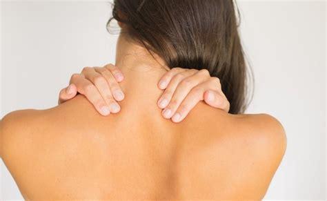 back pain between shoulder blades remedies