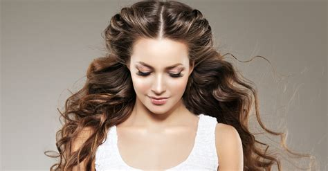 7 easy hairstyles for curly hair weekly change ups with 13 easy makeovers for your hair no they re not permanent