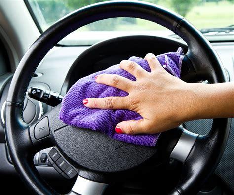 prodotti per pulire interni auto autunno stagione della pulizia interni auto
