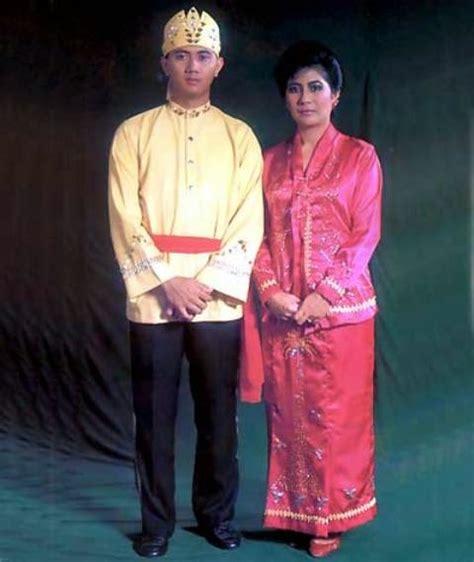 Baju Adat Maluku Modern gambar dan daftar nama lengkap pakaian adat daerah indonesia image and list name apparel