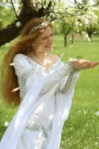 Medieval Wedding Dresses Medieval Wedding Gowns