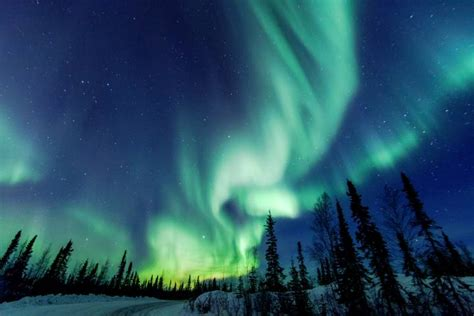 northern lights canada 2017 top wonders to see in canada before you die