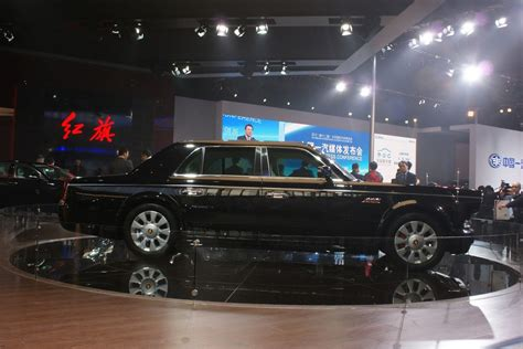 lada auto h7 hongqi debuts flagship l7 and h7 sedans at the beijing