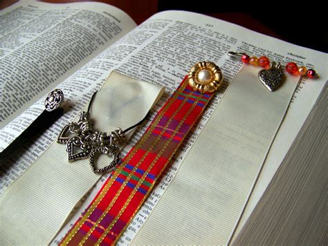 How To Make Beautiful Handmade Bookmarks - handmade bookmarks provide beautiful gift pv times