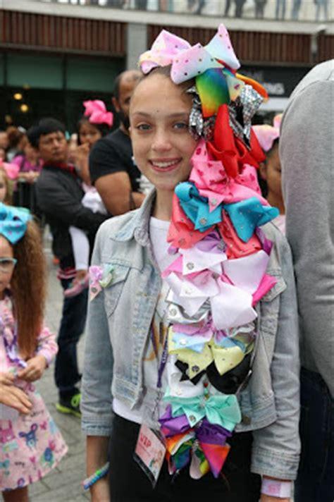jojo siwa fan mail nickalive jojo bows star causes a massive frenzy in