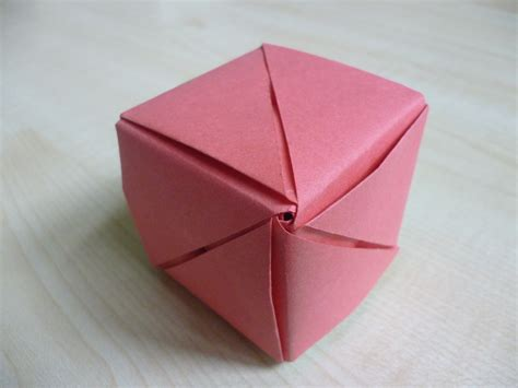 How To Make A Origami Cube - simple paper crafts cubes