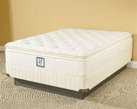 Difference Between Pillow Top And Top Mattress by Top Mattress Vs Pillowtop Mattress King Mattress