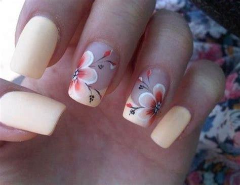 fiori unghie oltre 25 fantastiche idee su unghie con fiori su