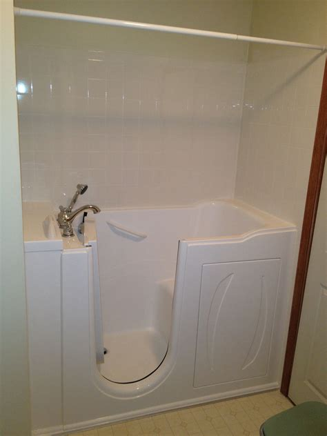 sit up bathtub serenity walk in bathtubs come with an adjustable shower