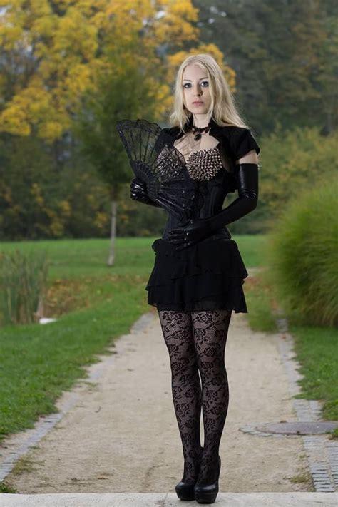 Renita Gotik fashion i by jessiedluna deviantart on