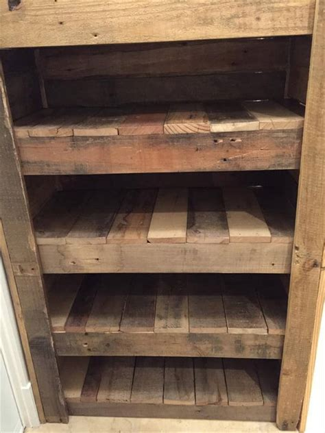 pallet bench with storage and shoe rack coat rack bench diy entryway shoe rack 100 pallets 101 pallets