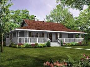 Single Story Farmhouse Plans by 168 Best One Story Ranch Farmhouses With Wrap Around