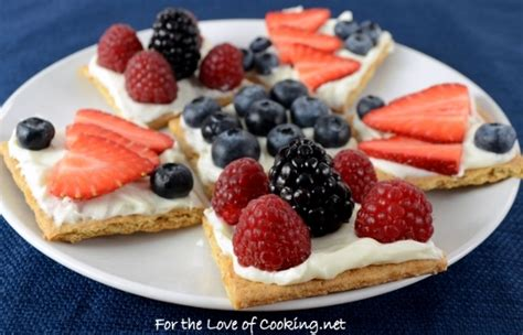 Snack Cracer fruit and cheese graham cracker snacks for the