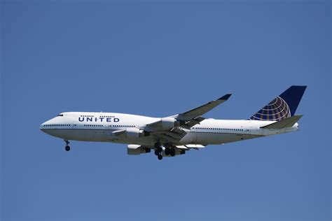 united baggage international united airlines to end flights at new york s jfk