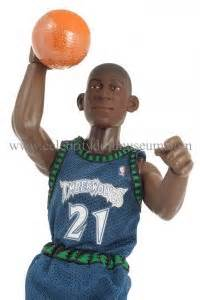 Kevin Garnett 1998 Basketball Nba Court Collection Figure doll museum page 15 a museum of vinyl dolls