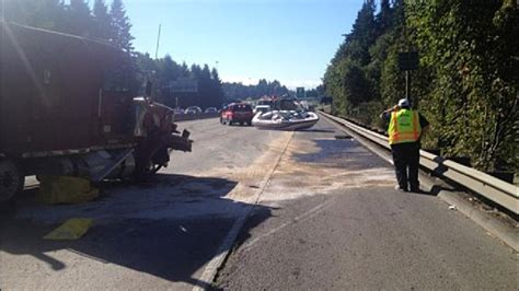 boat crash portland i 5 south reopens after crash involving semi truck boat