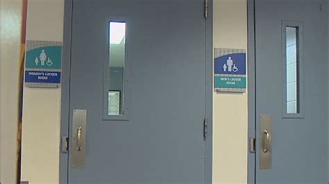 Ymca Washington Dc Rooms by Ymca Backtracks On Policy About Transgender Locker Room Use Komo