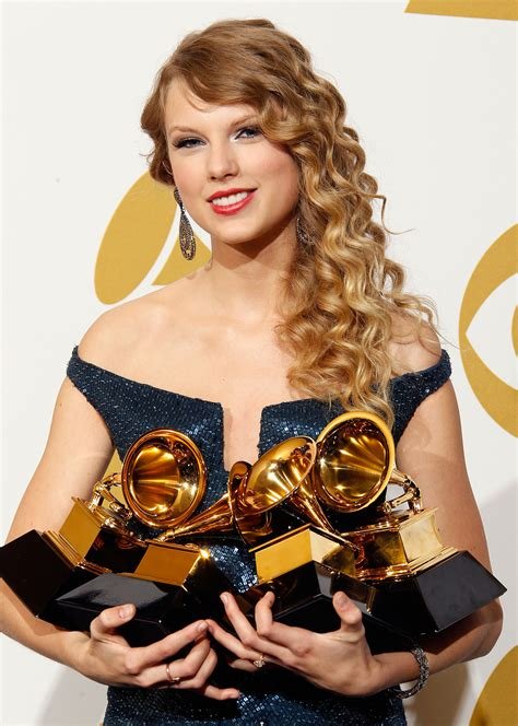 taylor swift and grammys the complete history of taylor swift at the grammys