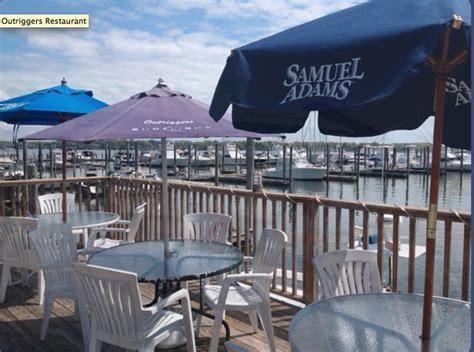 lazy tavern stratford ct outriggers restaurant 18 photos seafood restaurants