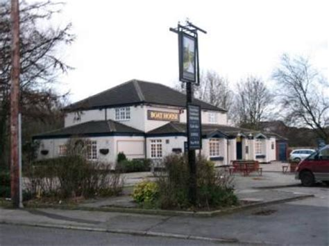 boat house pub fox hounds hotel flixton whatpub com