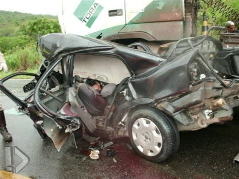 gory car crashes car crash not gory but better than a kick in the