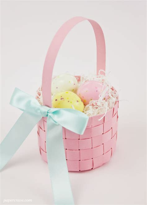 Paper Easter Baskets - free woven paper easter basket template tutorial
