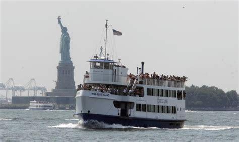 ferry ellis island city feds clash over liberty island security ny daily news
