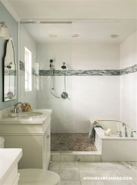 Small Bathroom Ideas With Tub And Shower Best 25 Tub Shower Combo Ideas On Pinterest Bathtub Shower Combo Shower Tub And Shower Bath