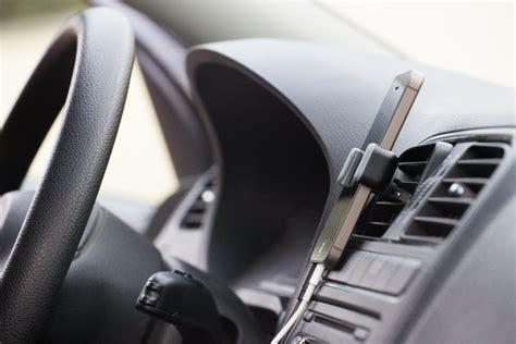 porte iphone 5 voiture porte telephone voiture iphone 5 doccas voiture