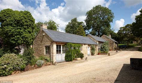 Cottages For Sale Oxfordshire by Cotswold Hamlet Of Little Rollright On Sale For 163 18m