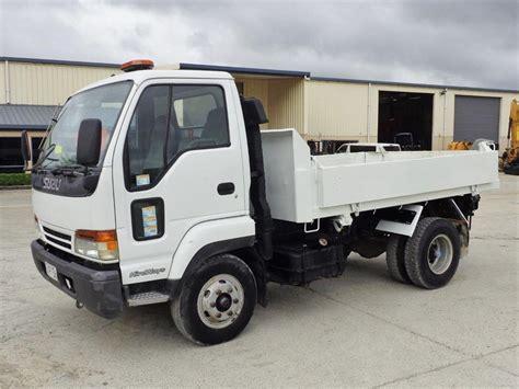 isuzu nrr dump trucks for sale 28 used trucks from 21 407