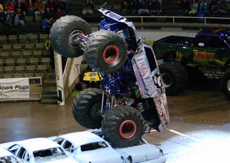 monster truck show milwaukee big saturday in monsters allmonster com where monsters