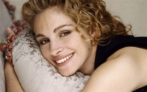 julia roberts tattoo image