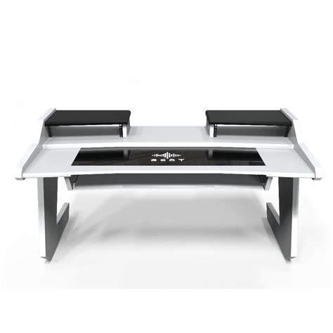 beat desk all white