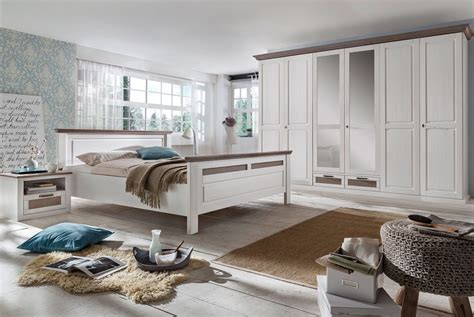 schlafzimmer massivholz landhausstil schlafzimmer komplett landhausstil lugano romantik
