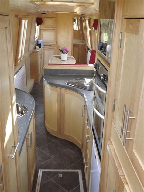 New Boat Interior by Beautiful And Comfortable Boat Interior Designs To Make