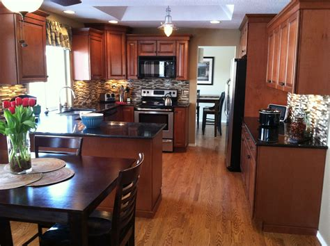 cognac color kitchen cabinets kitchen maple cognac cabinets healthy mind