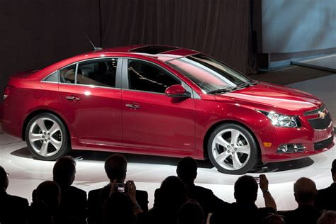 2011 chevrolet cruze problems chevy recalls cruze for steering shift lever problems