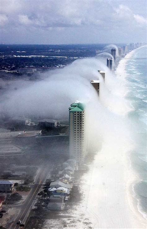florida cool cloud tsunami cool things you might see on a helicopter