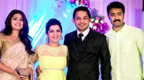 vijay television anchor priyanka marriage photos vijay tv anchor dd age www imgkid com the image kid