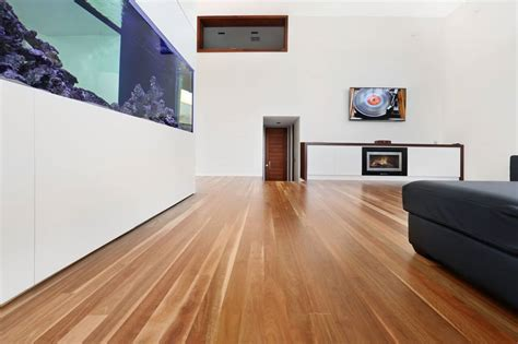 Wide vs. Narrow Timber Planks: What?s the Difference