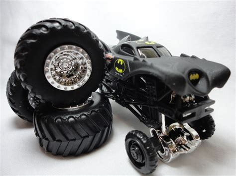 wheels monster jam batman truck 2011 wheels monster jam truck batman travel treads 6