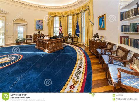 bill clinton oval office decor little rock ar usa circa february 2016 replica of