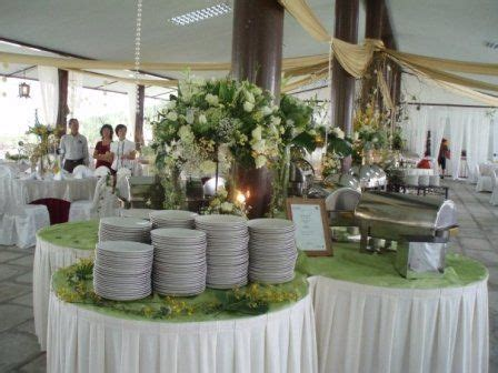 How To Set Up A Buffet Table For A Wedding Wedding Buffet Configuration Ideas Buffet Table