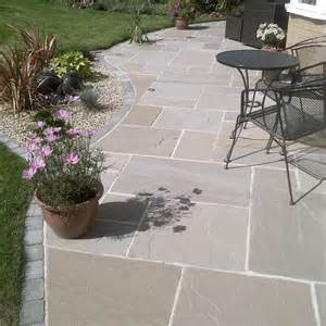 pavestone paving riven sandstone raj blend paving slabs